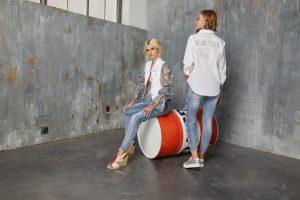 TERCERA IMAGEN camisa blanca fly S42… pantalon vaquero star S11